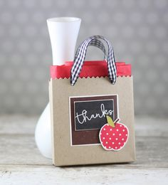 Teacher Thanks Gift Card Holder by Laurie Willison for Papertrey Ink (September Thank You Teacher Gifts, Teacher Cards, Teacher Appreciation Gifts, Teacher Doors, Apple School, Paper Crafts For Kids, Xmas Cards, Cute Cards, 3 D