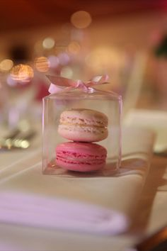 French Macaron wedding bomboniere by 'Very Special Celebrations' - Yummy and beautiful.