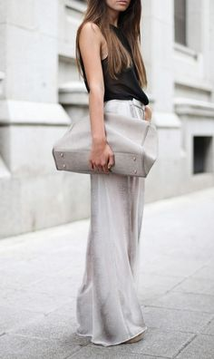 Wide leg trousers.