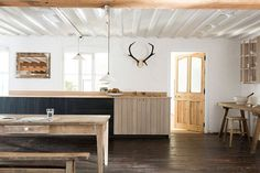 Sebastian Cox And Devol Kitchens A Perfectly Unfitted Fit pertaining to Awesome unfitted kitchen design pertaining to Wish Simple Furniture, Kitchen Furniture, Küchen Design, Interior Design, Design Ideas, Unfitted Kitchen, Modern Country Kitchens, Kitchen Modern, Timber Kitchen