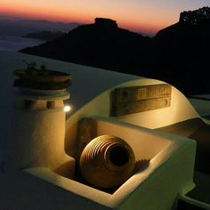 Santorini is famous for its beautiful sunsets and the village of Oia is the most popular spot. It is actually said that it is one of the most beautiful sunsets on earth. Oia Santorini, Night Lights, Greek Islands, Day Tours, Beautiful Sunset, Sunsets, Greece, Tourism, Road Trip