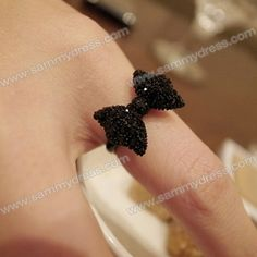 Ring: Fashion and Cute Dazzling Bowknot Embellished Women's Ring