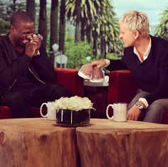 Kevin Hart love his new slippers