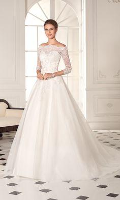 Elven Wedding Dress, Elegant Wedding Dress, Dream Wedding Dresses, Bridal Dresses, Wedding Gowns, Ceremony Dresses, Wedding Story, Bridal Beauty, Elegant Woman