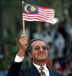 Lagu Negaraku dimain di Pawagam sempena Hari Kebangsaan - http://malaysianreview.com/132462/lagu-negaraku-dimain-di-pawagam-sempena-hari-kebangsaan/