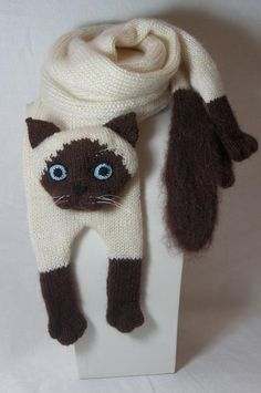 Knitting Animals Cat Mohair Long Scarf Siamese Cat Scarf Knitting Cat Scarf Animals Knitting Scarf-Cat Lover Super soft and cuddly mohair hand knit scarf. I knit this scarf for fun :-] Imitation real Siamese cat, so that, soft an. Loom Knitting, Knitting Patterns Free, Baby Knitting, Scarf Patterns, Beginner Knitting, Knitting Stitches, Cat Scarf, Hand Knit Scarf, Knitted Cat