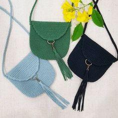 No photo description available. Crochet Handbags, Crochet Purses, Crochet Doilies, Crochet Crafts, Crochet Projects, Yarn Crafts, Love Crochet, Knit Crochet, Crochet Designs