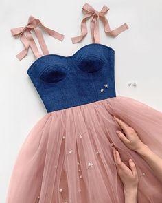 Image about fashion in Glamour by cinderelamodernizada Flowery Dresses, Dresses Elegant, Pretty Prom Dresses, Cute Dresses, Beautiful Dresses, Girls Dresses, Cute Outfits, Summer Dresses, Dress Dior
