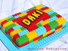 Amazing Lego cake tutorial (translate button under the title)