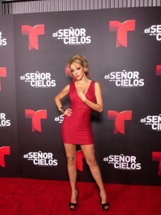 http://www.telenovelasyestrellas.com/2013/04/fernanda-castillo-el-senor-de-los-cielos-villana.html Fernanda Castillo debuta en Telemundo como la sexy antagónica de El Señor de los Cielos