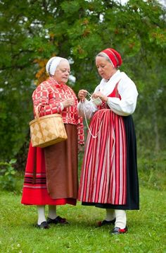 Women of Leksand, Sweden