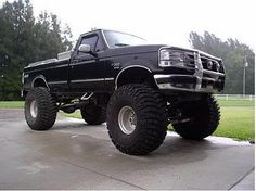 I know it's not very girly of me but I can't help it...I just LOVE big lifted trucks! I guess it's the hick in me :)