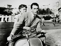 Audrey Hepburn Poster Print, Black & Grey Audrey Hepburn & Gregory Peck Riding On Scooter Photo In Roman Holdiay Inches x 18 Inches), Audrey Hepburn Roman Holiday Poster Print, Audrey Hepburn Posters/Wall Art, Audrey Hepburn Merchandise Gregory Peck, Audrey Hepburn Roman Holiday, Audrey Hepburn Poster, William Wyler, Couple Beach, We Movie, Flappers, Movies To Watch, Old Photos