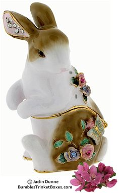 Trinket Box: Bunny with Roses