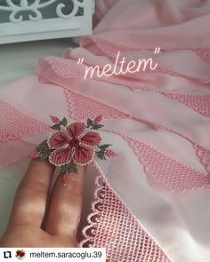 Image may contain: text Clothes Crafts, Free Sewing, Embroidery Stitches, Tatting, Elsa, Diy And Crafts, Crochet, Handmade, Image