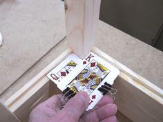 Astuce : Deux cartes à jouer pour une découpe parfaite! – L'Humanosphère
