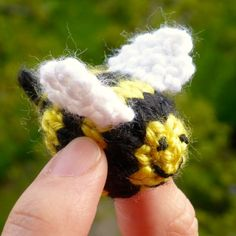 An easy knitting pattern for a cute, fuzzy, tiny bee. Enjoy.
