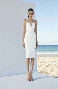 The couture designer's latest resort collection is all about it's about shapely silhouettes in a range of lengths, from signature fit-and-flare minis to full-skirted midi dresses that offer Perry's party girl a fresh sophistication. He definitelyknows how to make a woman feel glamorous. His signatu