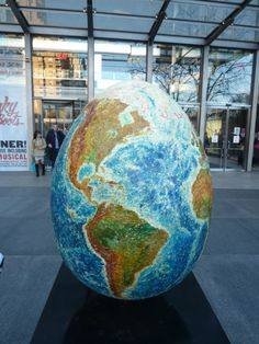 Egg #139 was designed by Paul Wirhun. I found it at Columbus Circle in front of the Time-Warner Building. The last known auction price for this egg was $600.