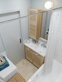 Amazing DIY Bathroom Ideas, Bathroom Decor, Bathroom Remodel and Bathroom Projects to help inspire your bathroom dreams and goals. Bathroom Layout Plans, Bathroom Design Layout, Bathroom Floor Plans, Laundry Room Bathroom, Bathroom Flooring, Bathroom Storage, Bath Room, Bathroom Organization, Bathroom Ideas