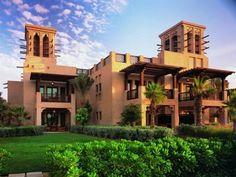 Dar Al Masyaf at Madinat Jumeirah Dubai, Emirati Arabi Uniti Villa Design, Islamic Architecture, Beautiful Architecture, Architecture Design, Front Elevation Designs, House Elevation, Dubai Hotel, Dubai City, Conception Villa