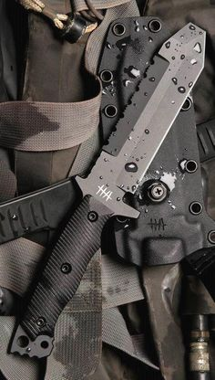 Survival camping tips Tactical Equipment, Survival Equipment, Survival Tools, Survival Knife, Tactical Knives, Tactical Survival, Tactical Gear, Tactical Swords, Cool Knives