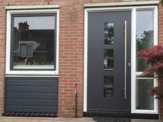 kunststof kozijnen en voordeur van Kroon Kozijn Heemskerk