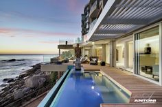 Called Clifton View this penthouse was decorated and designed by Antonia Associates and it offers a wonderful view of the Clifton beach, of the Atlantic Ocean, and also of the Twelve Apostles mountain range in the city of Cape Town, South Africa. Infinity Pools, Connecticut, Design Studio, House Design, Architecture Design, Clifton Beach, Tiny House, Build Your Own House, Dream Apartment