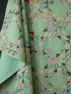 Rare in Green! Showstopper Vintage c1930 Ocean Waves QUILT 88x78""