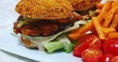 Tofu hamburger és lencsehús Hot Dog, Chicken, Ethnic Recipes, Food, Red Peppers, Essen, Meals, Yemek, Eten