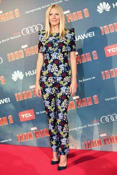 Gwyneth Paltrow en Erdem http://www.vogue.fr/mode/inspirations/diaporama/les-looks-du-mois-d-avril-des-podiums-a-la-realite-dolce-gabbana-saint-laurent-christian-dior-anthony-vaccarello-isabel-marant/12995/image/749422#!gwyneth-paltrow-en-erdem