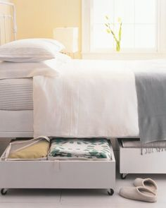 20 simple tricks to a more organized bedroom.