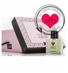 Velvet Forever Pour Femme Eau de Parfum Spray es el nuevo perfume basado en la serie Galerías Velvet. Presentado en un estuche, con 10 ml de regalo. Una fragancia creada por Saphir Parfums para las amantes de la serie.