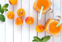 Frappè all'albicocca e melissa