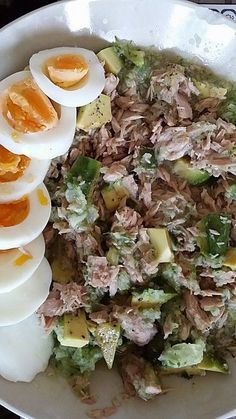 Avocado tuna salad, a sophisticated recipe from the snacks and small dishes category. Ratings: Average: Ø Avocado tuna salad, a sophisticated recipe from the snacks and small dishes category. Avocado Dessert, Avocado Tuna Salad, Avocado Toast, Shrimp Recipes, Beef Recipes, Salad Recipes, Vegan Recipes, Cooking Recipes, Healthy Salads