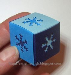 Extreme Cards and Papercrafting: Snowflake Braided Cube