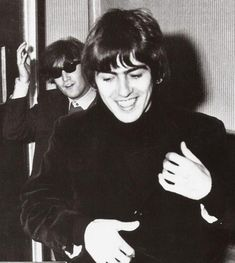 "Scan - John Lennon and George Harrison backstage at Shindig!, Granville Studio, London, 3 October Scanned from The Best Of The Beatles Book. Photo: The Beatles Book """"I would step off stage with. Beatles Books, The Beatles 1, John Lennon Beatles, Beatles Photos, Richard Starkey, The Fab Four, The Clash, Keith Richards, Ringo Starr"