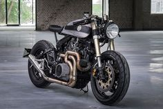 Yamaha XV750 Cafe Racer by Moto Adonis - Photo by Mark Meisner #motorcycles #caferacer #motos | caferacerpasion.com
