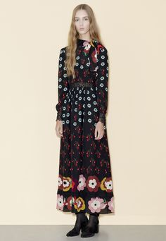The complete Red Valentino Pre-Fall 2016 fashion show now on Vogue Runway. Fall Fashion 2016, 70s Fashion, Fashion News, Fashion Show, Fashion Vintage, Style Fashion, Fashion Trends, Red Valentino, Vogue