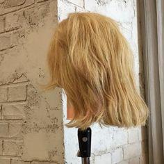 ヒロタテツヤさんはInstagramを利用しています:「□ボブでも大丈夫🙆♂️ かわいいおまとめアレンジ‼️ ・ 1、トップをくくります ・ 2、サイドをネジってピンでとめます ・ 3、襟足の髪の毛もネジってピンでとめて完成です😸 ・ ピンはとまらなければ、何本か使ってください👌 ・ ・ #ヘアアレンジ #ヘアカラー…」