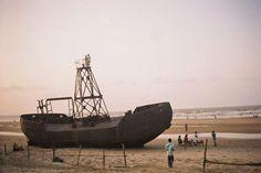 An abandoned boat snapped near Shankarpur beach. #Mandarmoni