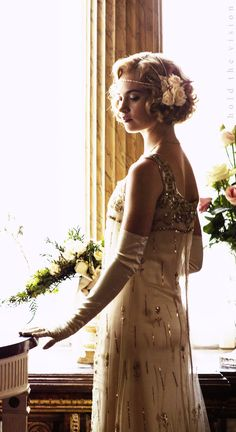 Lily James as Lady Rose from Downton Abbey. Downton Abbey Costumes, Downton Abbey Fashion, Downton Abbey Characters, Estilo Gatsby, 1920s Hair, Lady, Gatsby Style, Estilo Retro, Looks Vintage