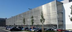 The architects from Beier Baudesign GmbH used stainless steel mesh made from Haver & Boecker as façade cladding.