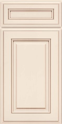 KraftMaid: Square Raised Panel, Solid AA5M in Dove White w/Cocoa Glaze