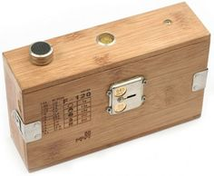wooden pinhole camera, simple design...i can make that!