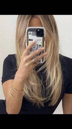 Blonde Hair Looks, Brown Blonde Hair, Blonde Hair With Layers, Blonde Hair Inspiration, Hair Inspo, Dye My Hair, New Hair, Hair Shades, Aesthetic Hair