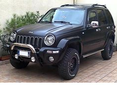 Jeep Liberty Lifted, 2006 Jeep Liberty, Cherokee 4x4, Jeep Grand Cherokee, Jeep Wk, Green Jeep, Bull Bar, Jeep Mods, Cool Jeeps