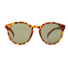 Quay Coy Sunglasses (125 BRL) ❤ liked on Polyvore featuring accessories, eyewear, sunglasses, brown, quay sunglasses, brown sunglasses, brown glasses and quay eyewear