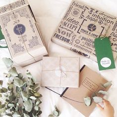 Have any of you kept your #woodenstory boxes and used them again ? ♻️ #designed to be #reused or easily #recycled #ecofriendly #consciousliving #consciouslifestyle #ecopackaging #storagebox • photo by @sofiaparapluie ♡