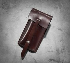 Makes for a classy way to tote your celebratory cigars. Crafted from quality leather and embossed with graphics, it's a great gift to mark any special occasion with your bros. | Harley-Davidson #HDBlackLabel